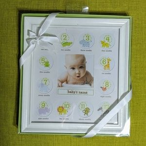 🆕 baby's first year picture frame